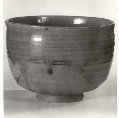 Tea Bowl, ca. 1960. Stoneware, Ichiraku ware, 3 1/4 x 4 5/8 in. (8.3 x 11.7 cm). Brooklyn Museum, Gift of Dr. and Mrs. John P. Lyden, 83.241.5. Creative Commons-BY