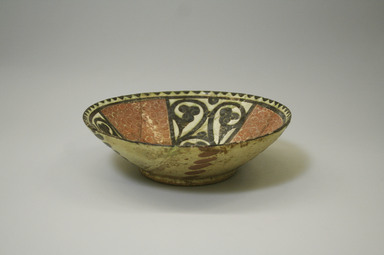 Bowl, 9th-10th century. Ceramic, slip, glaze, 2 9/16 x 8 1/4 in. (6.5 x 20.9 cm). Brooklyn Museum, Gift of the Ernest Erickson Foundation, Inc., 86.227.4. Creative Commons-BY