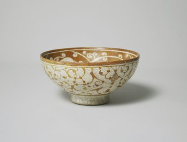 Bowl, late 12th century. Ceramic, lusterware, white frit body, 2 13/16 x 5 9/16 in. (7.1 x 14.2 cm). Brooklyn Museum, Gift of the Ernest Erickson Foundation, Inc., 86.227.62. Creative Commons-BY
