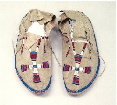 Cheyenne (Native American). Moccasins, late 19th century. Beads, a:11 1/4 x 3 3/4 in. Brooklyn Museum, Brooklyn Museum Collection, X1126.33a-b. Creative Commons-BY