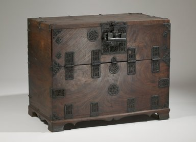 Chest, 19th century. Zelkova wood, pine wood, iron bound, 25 3/8 x 31 1/8 x 17 1/8 in. (64.5 x 79 x 43.5 cm). Brooklyn Museum, Brooklyn Museum Collection, X652.3. Creative Commons-BY