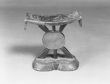 Shona. Headrest, late 19th-early 20th century. Wood, 6 3/4 x 6 1/8in. (17.1 x 15.6cm). Brooklyn Museum, Brooklyn Museum Collection, X775. Creative Commons-BY