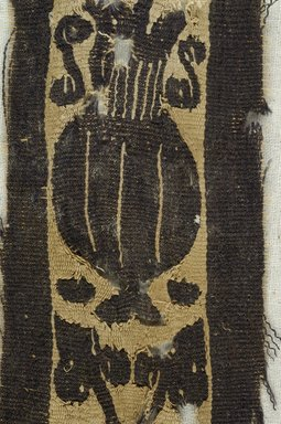 Coptic. Textile. Flax, wool, 4 3/4 x 2 in. (12.1 x 5.1 cm). Brooklyn Museum, Brooklyn Museum Collection, X934. Creative Commons-BY