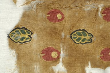 Coptic. Textile. Flax, wool, 9 3/4 x 9 in. (24.8 x 22.9 cm). Brooklyn Museum, Brooklyn Museum Collection, X940. Creative Commons-BY