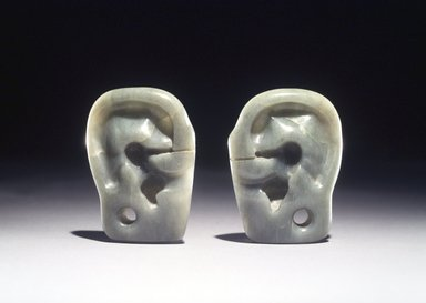 Olmec. Ear Effigies, One of Pair, 800-500 B.C.E. Jade, 2 1/4 x 1 1/2 in. (5.7 x 3.8 cm). Brooklyn Museum, Collection of Robin B. Martin, L77.37.1. Creative Commons-BY