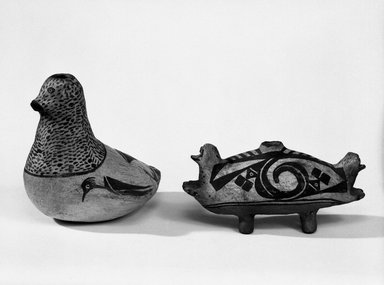 Haak'u (Acoma Pueblo) (Native American). Double-Headed Duck-shaped Effigy Vessel, 1801-1900. Clay, pigment, 4 x 9 x 3 1/2 in (10.2 x 22.8 x 8.9 cm). Brooklyn Museum, Brooklyn Museum Collection, X898.7. Creative Commons-BY