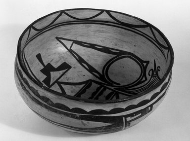 Haak'u (Acoma Pueblo) (Native American). Bowl, 900-1300. Clay, slip, 4 1/2 x 8 15/16 in (10.5 x 22.7 cm). Brooklyn Museum, Brooklyn Museum Collection, X949.10. Creative Commons-BY