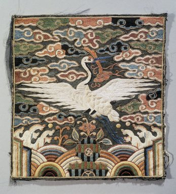 Rank Square (Hyungbae) Depicting a Single Crane, One of Pair, 19th century. Silk panel, 9 1/16 x 8 1/2 in. (23 x 21.6 cm). Brooklyn Museum, Brooklyn Museum Collection, X960.1. Creative Commons-BY