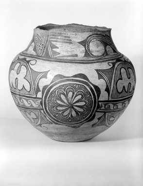 Brooklyn Museum: Large Storage Jar