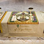 Eleanor of Aquitaine Place Setting