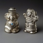 Salt or Pepper Shaker, One of Pair