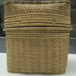 Round Deep Basket with Square Cover