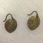 Pair of Earrings (Akaparaparet)