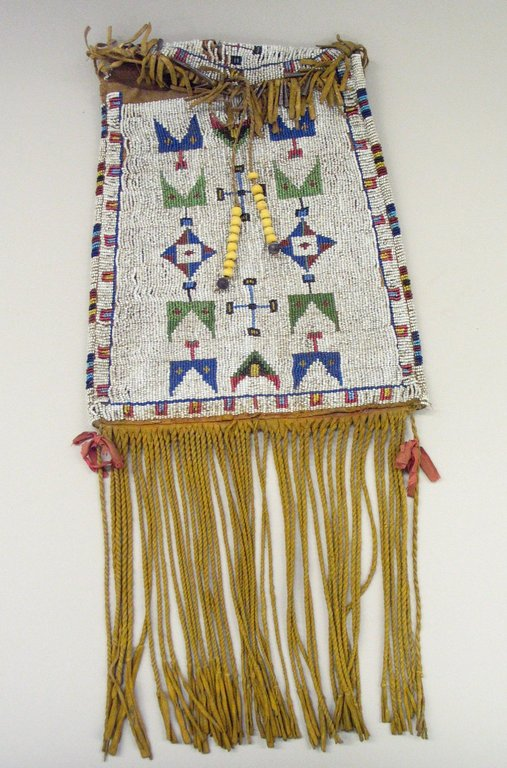 Brooklyn Museum: Arts of the Americas: Medicine Bag