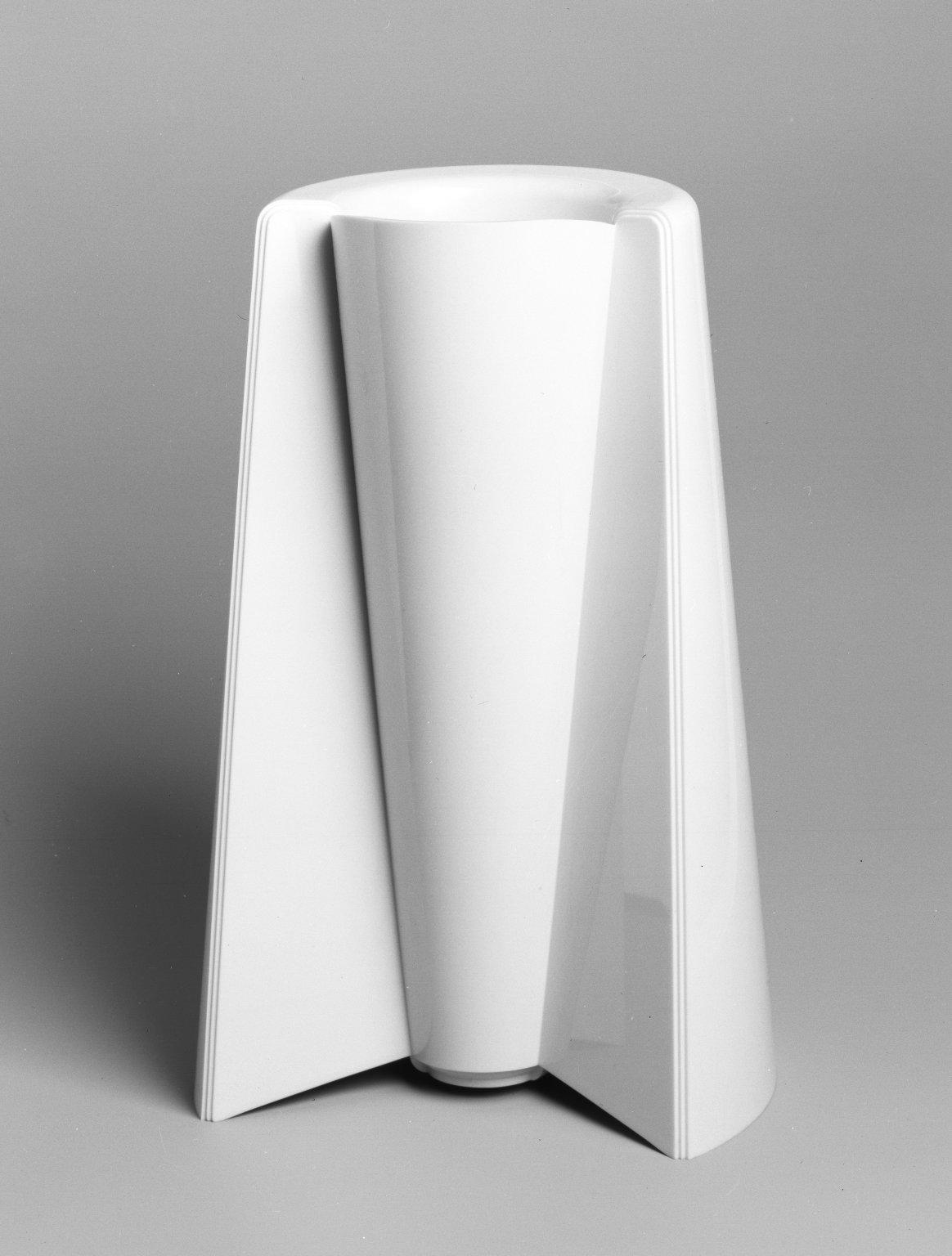 brooklyn museum decorative arts vase 39 pago pago 39 model 90052 y. Black Bedroom Furniture Sets. Home Design Ideas