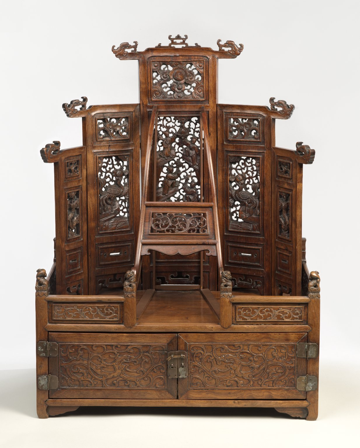 Brooklyn Museum: Mirror Cabinet and Cosmetic Chest