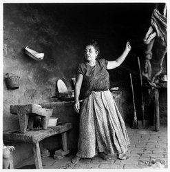 Mariana Yampolsky (Urbach). La Cocina, ca. 1980s. Gelatin silver photograph, Sheet: 14 x 10 7/8 in. Brooklyn Museum, Gift of Marcuse Pfeifer, 1990.119.98. © artist or artist's estate