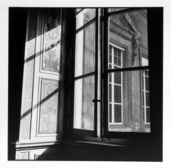 Bruce Cratsley (American, 1944-1998). Louvre Window, Paris, 1980. Selenium-toned gelatin silver photograph, image: 9 1/2 x 9 1/4 in. (24.1 x 23.5 cm). Brooklyn Museum, Gift of Jonathan L. Fagin, 1995.207.13. © artist or artist's estate