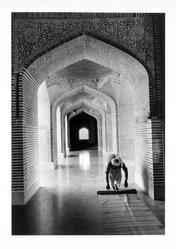 Arvind Garg (American, born India 1946). Shahjahan Mosque, Thatta Pakistan, 1990. Gelatin silver photograph, image: 11 1/2 x 8 in. (29.2 x 20.3 cm). Brooklyn Museum, Gift of the artist, 1996.106. © artist or artist's estate