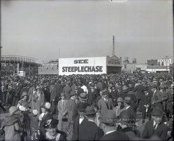 Irving Underhill (American, 1872-1960). Coney Island Boardwalk, 1924. Gelatin dry glass plate negative, 8 x 10 in. (20.3 x 25.4 cm). Brooklyn Museum, Brooklyn Museum/Brooklyn Public Library, Brooklyn Collection, 1996.164.8-B43620. © artist or artist's estate