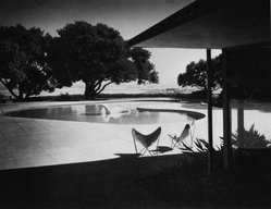 Morley Baer (American, 1916-1995). Thomas Church's Donnell Garden and Pool, 1948; Modern print. Gelatin silver photograph, 20 x 24 in.  (50.8 x 61.0 cm). Brooklyn Museum, Gift of the Morley Baer Publishing Rights Trust, 2001.106. © artist or artist's estate
