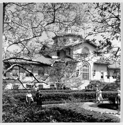 Benjamin Attas (American, born 1921). Main House - Brooklyn Botanic Gardens, ca. 1960. Silver dye bleach photograph (cibachrome), sheet/composition: 7 1/2 x 7 3/8 in. (19.1 x 18.7 cm). Brooklyn Museum, Gift of the artist, 79.197.2. © artist or artist's estate
