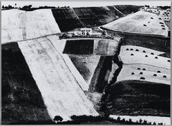 Mario Giacomelli (Italian, 1925-2000). [Untitled], 1956. Gelatin silver photograph, sheet: 11 5/8 x 15 5/16 in. (29.5 x 38.9 cm). Brooklyn Museum, Gift of Dr. Daryoush Houshmand, 80.216.1. © Simone Giacomelli