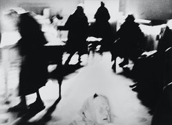 Mario Giacomelli (Italian, 1925-2000). [Untitled], 1962. Gelatin silver photograph, Sheet: 11 3/8 x 15 1/2 in. (28.9 x 39.4 cm). Brooklyn Museum, Gift of Dr. Daryoush Houshmand, 80.216.24. © Simone Giacomelli