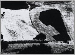 Mario Giacomelli (Italian, 1925-2000). [Untitled], 1956. Gelatin silver photograph, Sheet: 11 1/2 x 15 5/8 in. (29.2 x 39.7 cm). Brooklyn Museum, Gift of Dr. Daryoush Houshmand, 80.216.5. © Simone Giacomelli