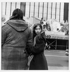Roy Colmer (American, born 1935). Mother and Daughter, Herald Square 1984, 1984. Gelatin silver photograph, image: 15 x 15 in. (38.1 x 38.1 cm). Brooklyn Museum, Gift of the artist, 87.148. © artist or artist's estate