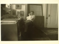 Lenore Seroka (American, born 1935). David Levine, 1982. Gelatin silver photograph, sheet: 11 x 14 in. (27.8 x 35.5 cm). Brooklyn Museum, Gift of the artist, 85.63.15. © Lenore Seroka